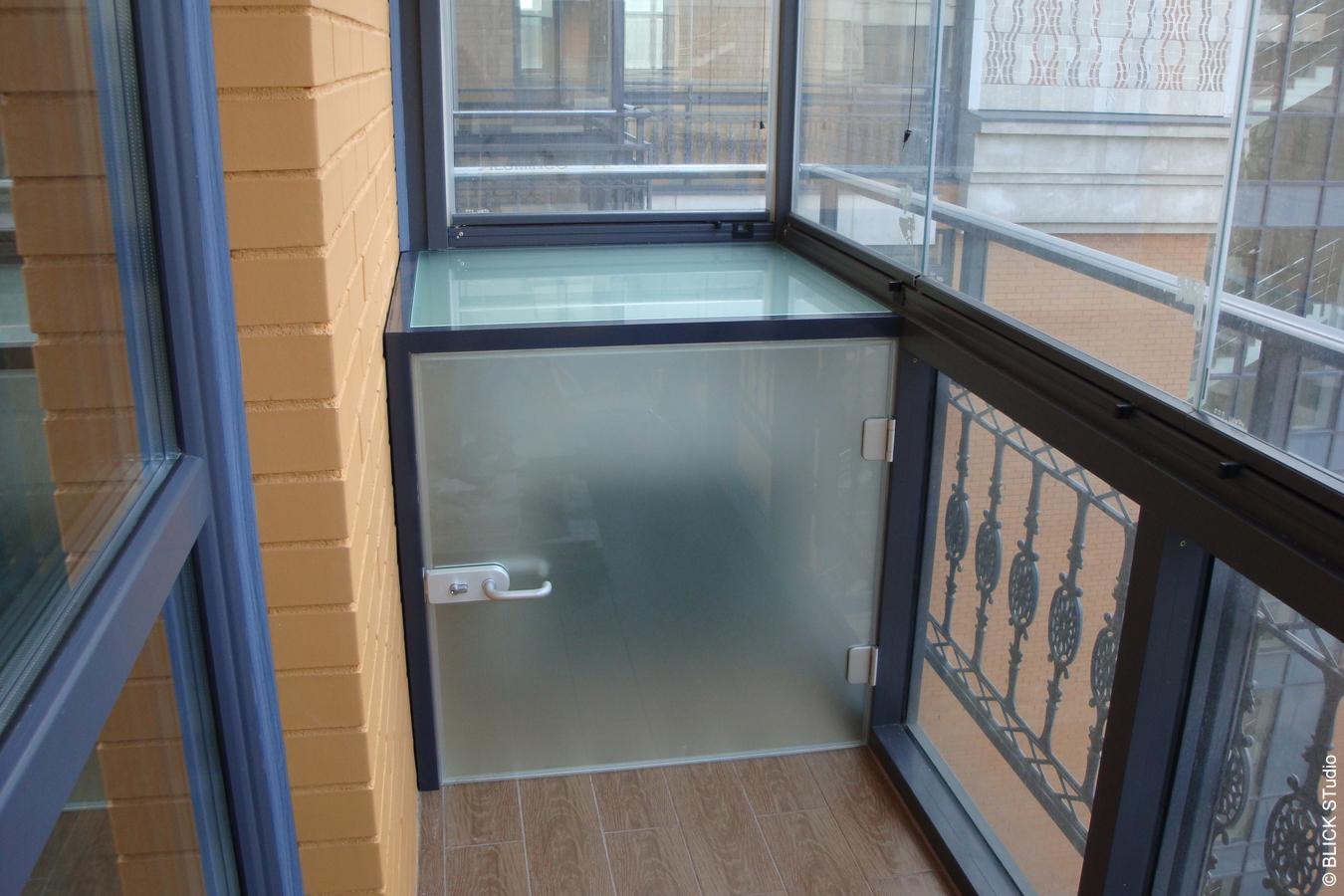 B-Tatarskay-glass-cupboard.jpg